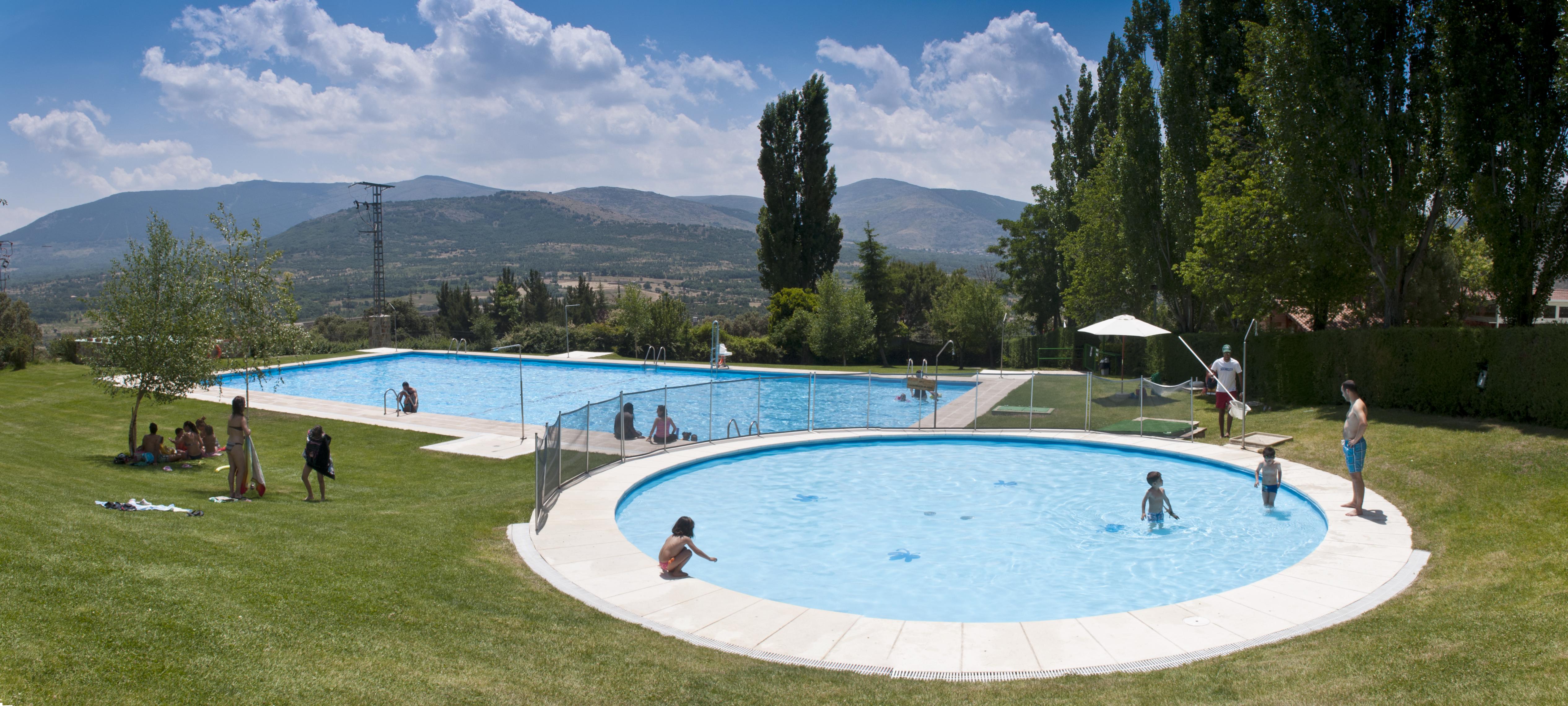 Caba as en los rboles en madrid gu a de la madre moderna for Camping con piscina climatizada en tarragona