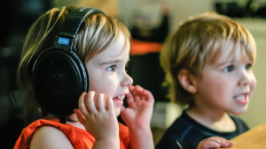 taller-de-radio-con-niños-en-malakids