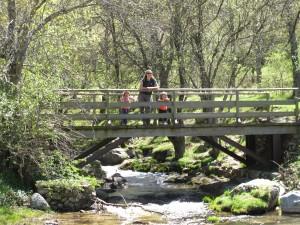Puente de la pradera. Ruta a la cascada del Purgatorio © José Ramón Aguirre