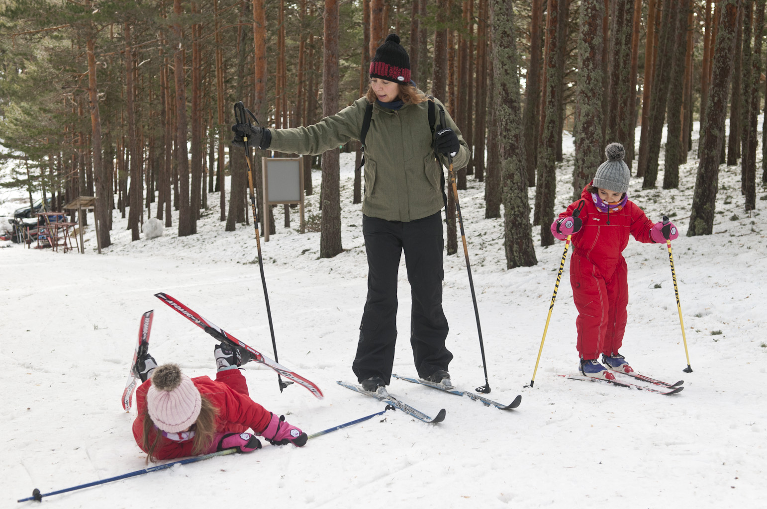 Esquí de fondo en familia en Navafría. © José Ramón Aguirre