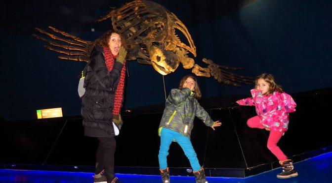 Caminando entre dinosaurios. Dinópolis con niños