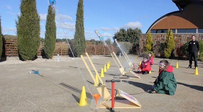 Visitamos la única Escuela de Cohetes de España