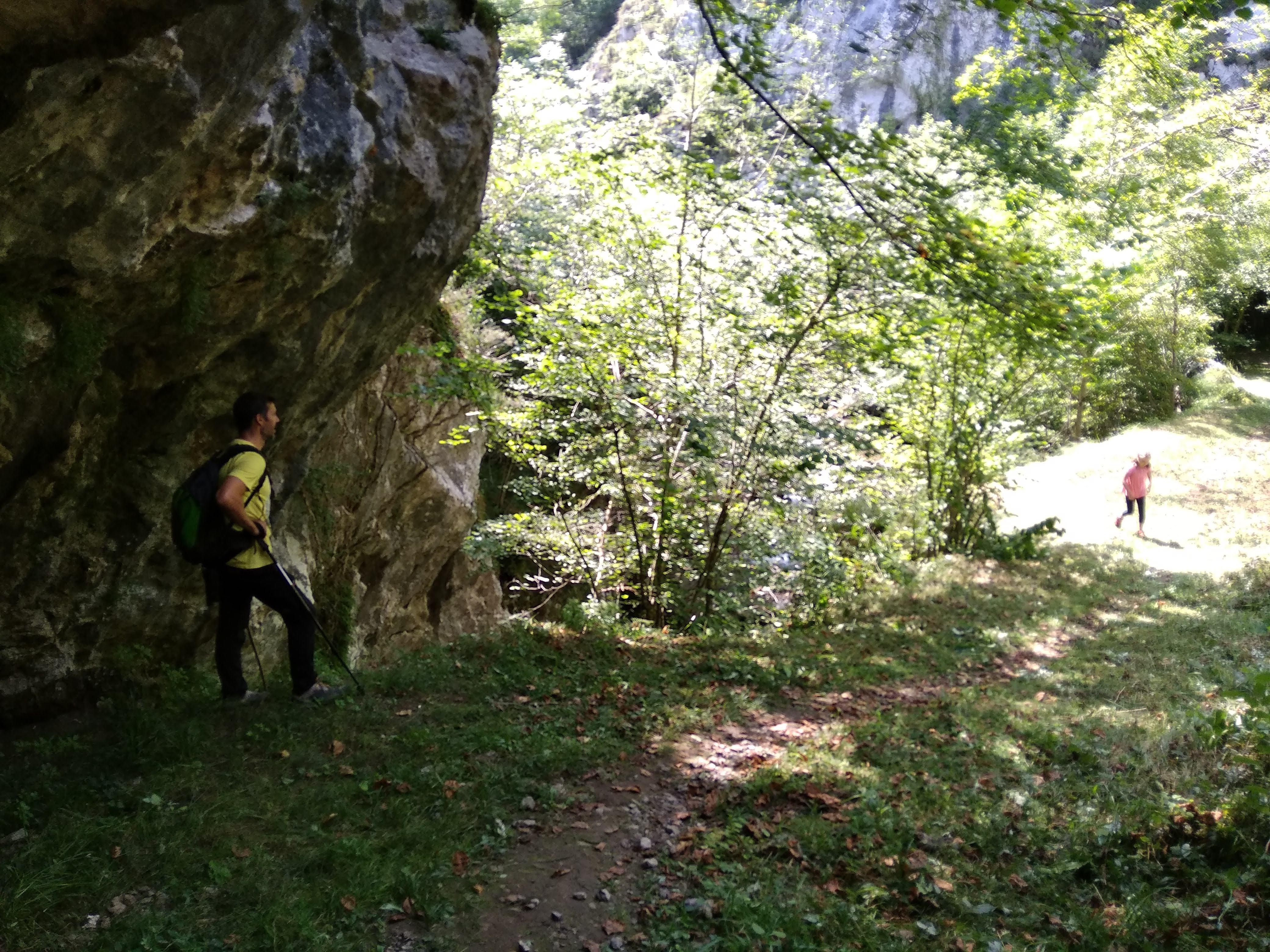Senderismo con niños por el Valle del Ponga. Asturias. @Patricia Fernández